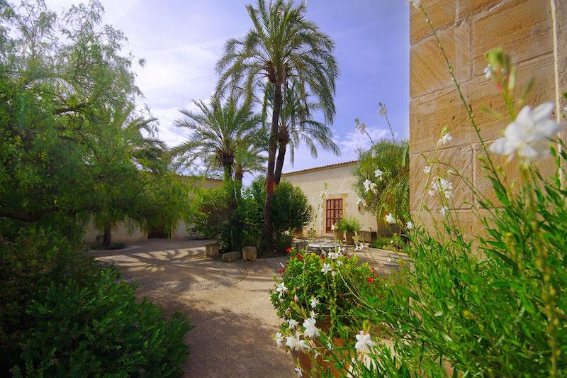 Mallorca retreat Finca for workshops