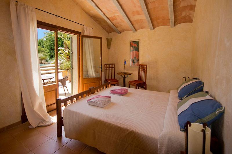 Room in yoga retreat in Mallorca