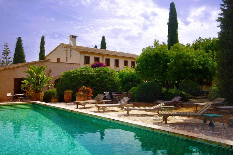 Groups rental in Mallorca for Yoga retreats and seminars, Retreat Finca for seminaris in Mallorca